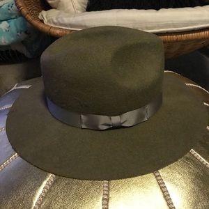 NWT wide brim hat